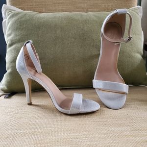 Mix No. 6 Shoes - MIX NO. 6  NWOT Ankle Strapped Heels